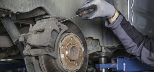 Prečo brzdy vydávajú nepríjemné zvuky?