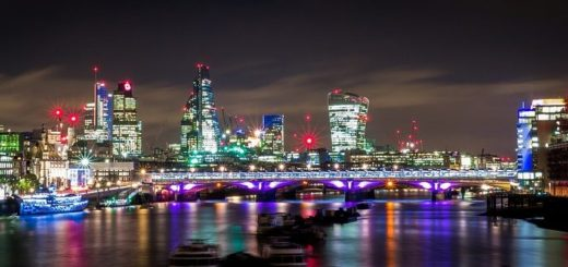 Rozkvitnutý dom v Londýne má českého tvorca