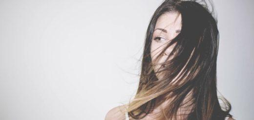 Chyby, kvôli ktorým máte neustále mastné vlasy