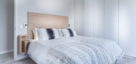 Minimalistická spálňa. Ako na ňu?